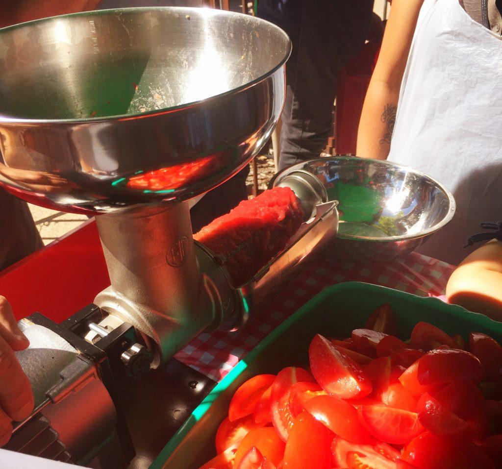 machine for tomatoes